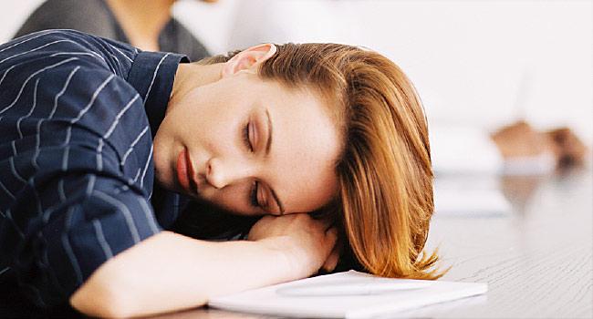 Κατά τη διάρκεια της ημέρας, εάν το περιβάλλον σας το επιτρέπει, ξαπλώσετε ή κοιμηθείτε λίγο, καθώς αυτά τα λίγα λεπτά ξεκούρασης θα σας δώσουν ενέργεια έως το βράδυ.