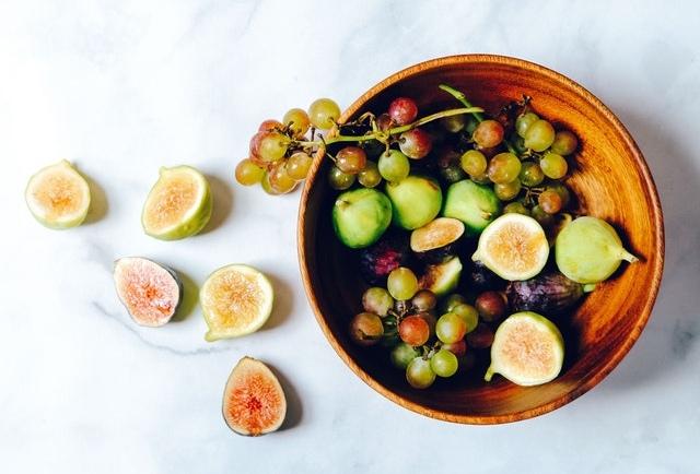 Τα φρούτα είναι πλούσια σεβιταμίνες, μέταλλα και φυτικές ίνες, απαραίτητα στοιχεία για την διατήρηση της υγείας και της ομορφιάς μας.