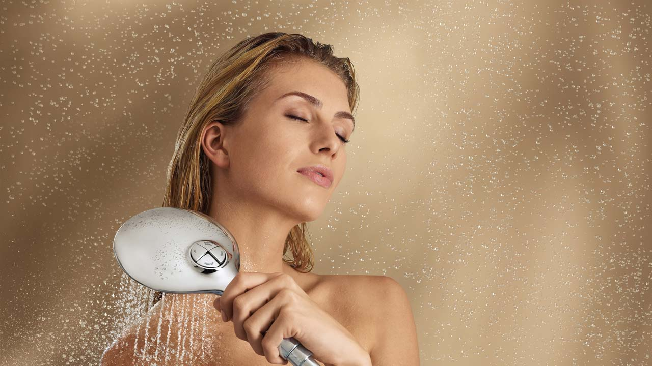 Σε υπέρμετρη εφίδρωση συνιστάται καθημερινό μπάνιο.