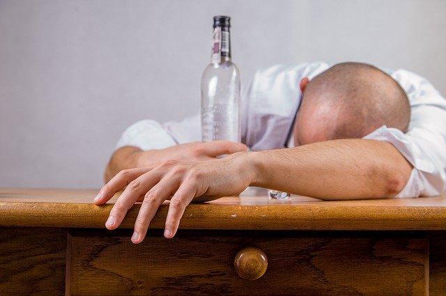 Αν τα επίπεδα σακχάρου στο αίμα είναι χαμηλά, το hangover γίνεται χειρότερο σαν εμπειρία.