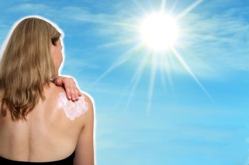 Ο φωτότυπος σκιαγραφεί την αντίδραση του δέρματός μας στην ηλιακή έκθεση, αν δηλαδή καιγόμαστε ή/και μαυρίζουμε εύκολα, δύσκολα, πάντα, καθόλου κ.λπ.