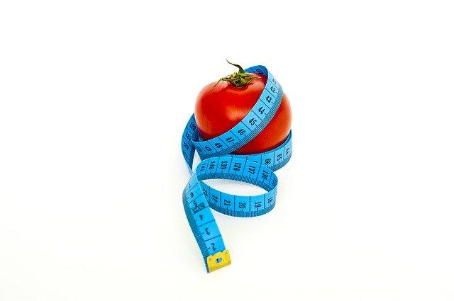 Ένα μήλο πριν από το φαγητό θα σας χορταίνει και θα καταναλώνετε λιγότερη ποσότητα από το κυρίως γεύμα σας.