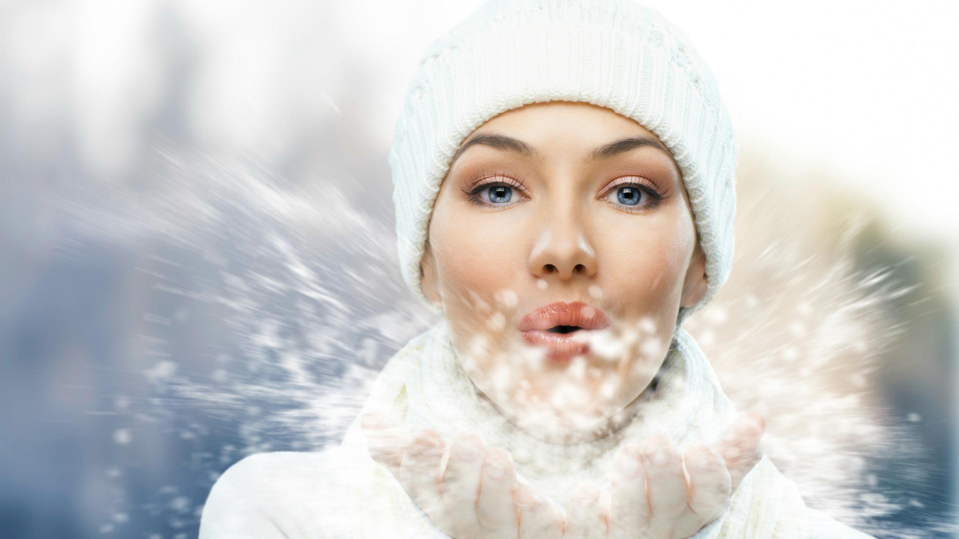 Μην αφήνετε τις γκρίζες χειμωνιάτικες ημέρες να σας ξεγελάσουν καθώς οι επικίνδυνες ακτινοβολίες διαπερνούν τα σύννεφα και βλάπτουν το δέρμα.